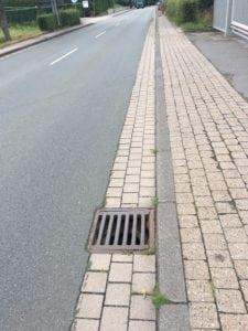 """Gefahrenstelle """"Straßenablauf"""""""